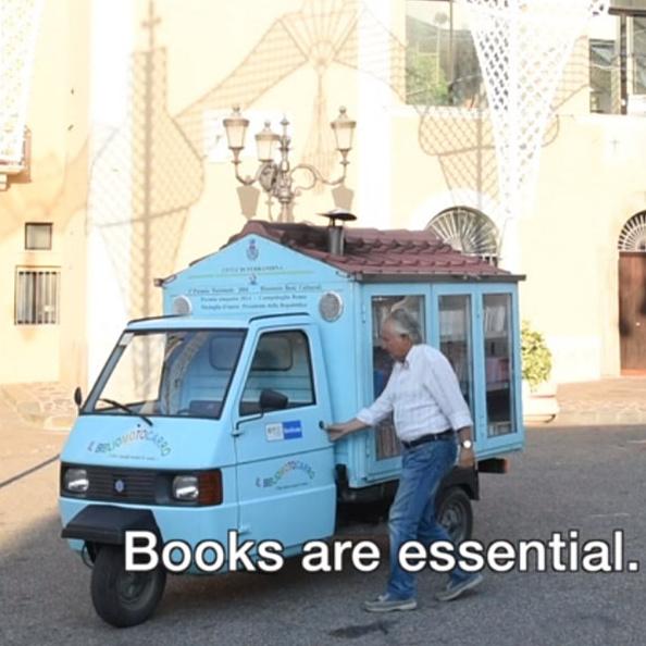 A legeldugottabb falvakba is elmegy az apró mozgókönyvtár